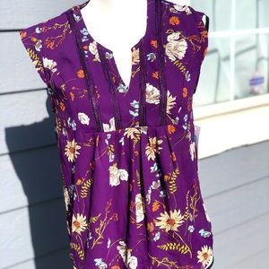 Beautiful purple/floral top with ruffle detail